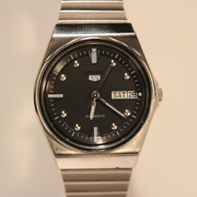Vintage Men's Japan Mechanical Automatic Watch Seiko 5/ Beautiful Black Dial
