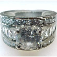 Vintage Round CUBIC ZIRCONIA with BAGUETTES BAND RING in Sterling Silver