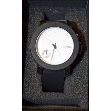 Nixon Watch The Raider Womens Wristwatch Black White