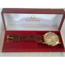 Vintage Omega Chronograph Solid 18kt Gold Cal.320 Mint Cond. 18k Ref.101 009 64